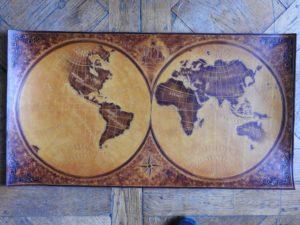 Mappemonde style 17ième siecle brun clair, 80cm x 42cm, 550€