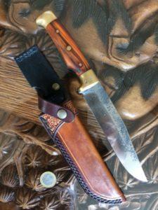 Etui réalisé sur un couteau de Christophe Minkendorfer (coutelier) 160€