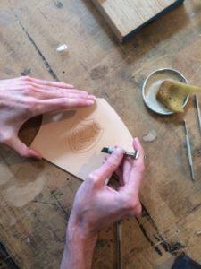 Stage de gravure Création personnelle - Le couteau à ouvrir