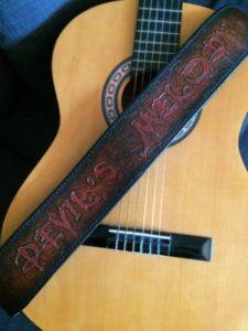 """Sangle de guitare """"Devil's Melody"""" 350€"""