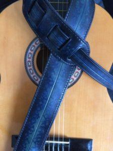 """Sangle de guitare """"Jazzy"""" bleue 190€"""
